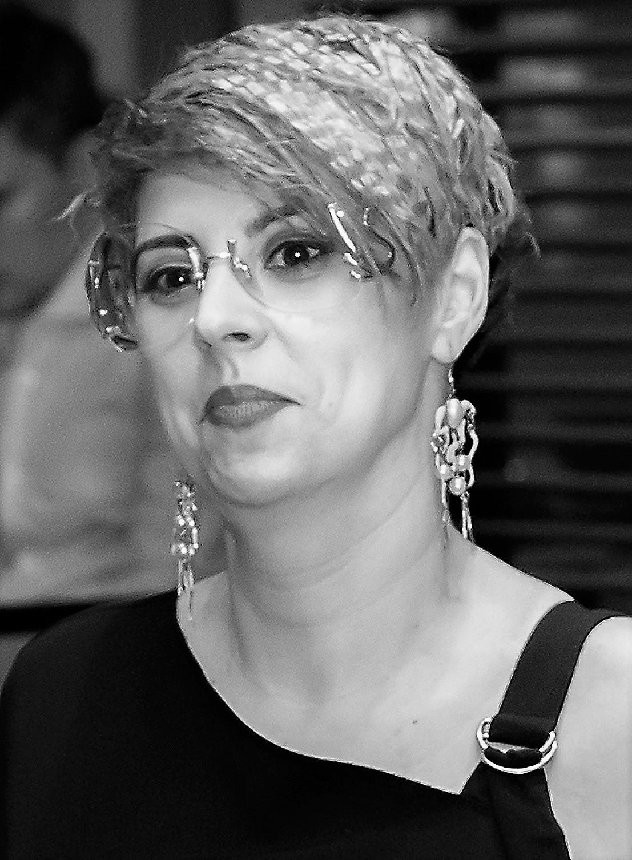 Irina-Cristina Ţenu